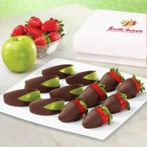Яблоки и клубника в шоколаде
